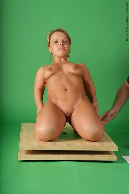 фото девушек карликов голых