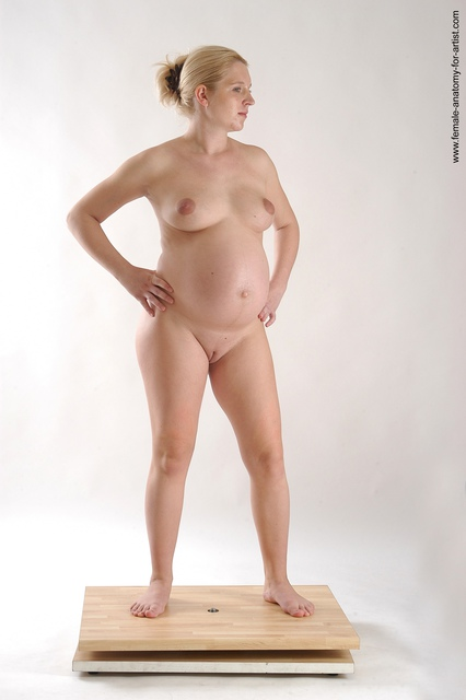 naked girls with curves