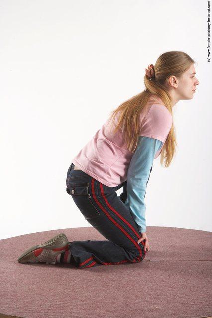 Casual Woman White Kneeling poses - ALL Slim Kneeling poses - on one knee long blond