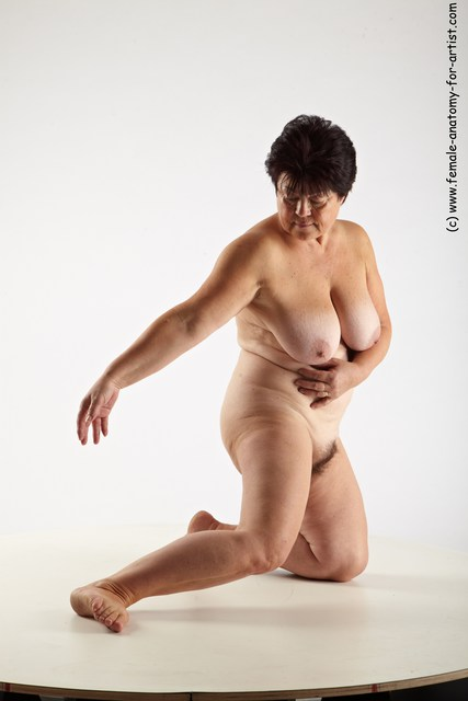 Nude Woman White Kneeling poses - ALL Average Kneeling poses - on both knees short colored
