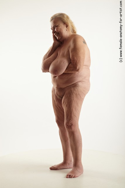 nude poses for fat women