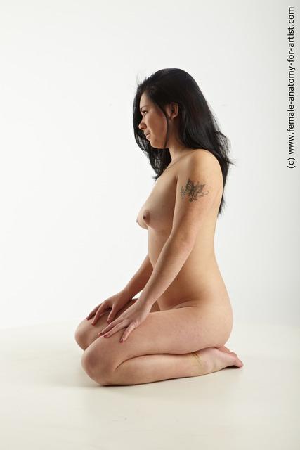 asian girl kneeling Nude