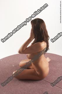 jitka kneeling 12