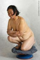 Photo Reference of xizhirong kneeling pose 26